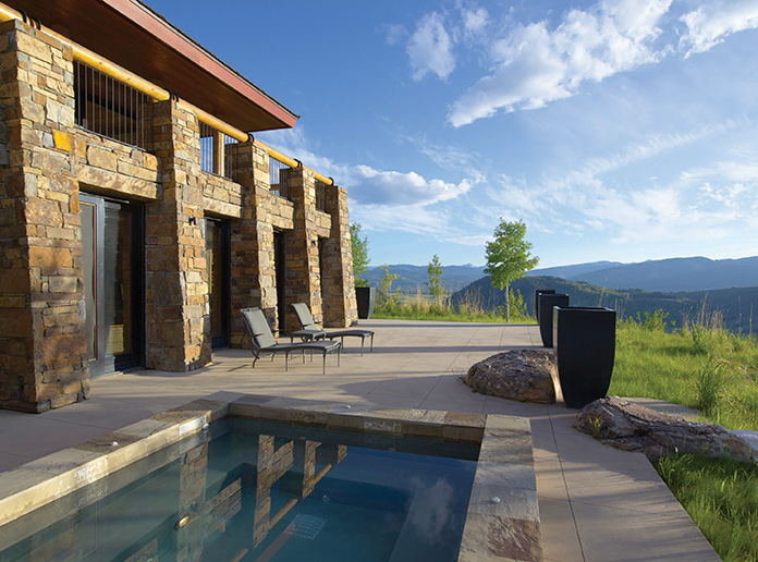 This Jackson Hole resort features stunning views of the Teton and Snake River mountains.